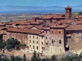 Trasimeno_Paciano_panorama borgo