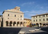bellaumbria-montefalco-piazzaprincipale1