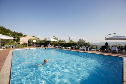 Benessere spa la terrazza hotel assisi bella umbria - Hotel con piscina umbria ...