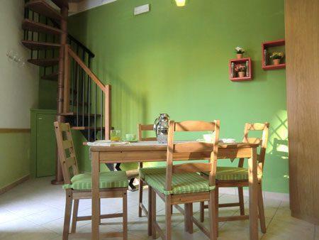 Appartamento per vacanze residenza cantico di assisi for 2 piani di casa storia con maestro al piano principale
