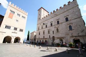 Todi_piazza_del_popolo