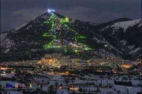 Accensione dell'Albero di Natale più grande del Mondo - Hotel Beniamino Ubaldi